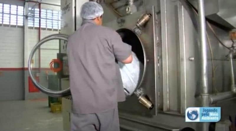 Uma lavanderia que transforma água contaminada em água cristalina 2