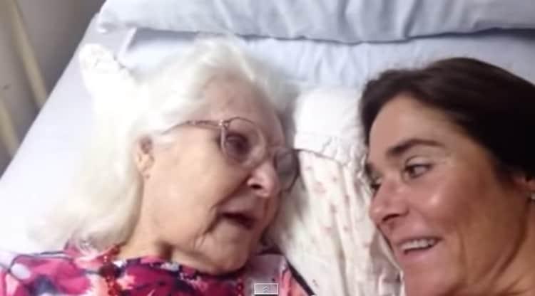 Em um lapso de memória, mulher com Alzheimer lembra o nome da filha 2