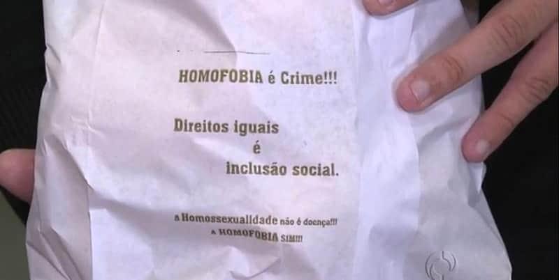 Dono de padaria coloca em sacos de pães mensagens contra a homofobia 1