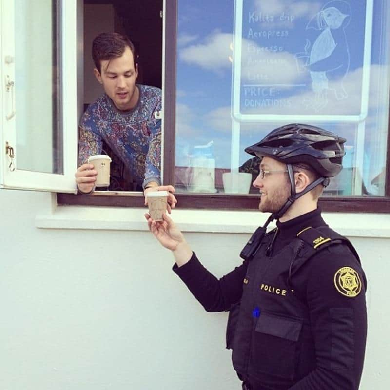policia-islandia-15