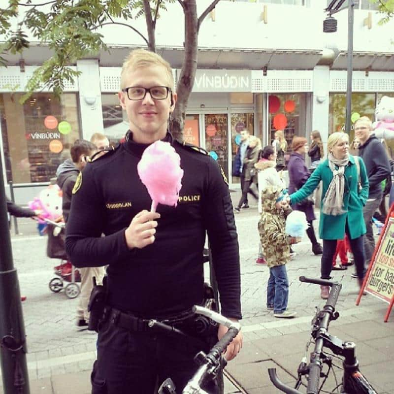 policia-islandia-6