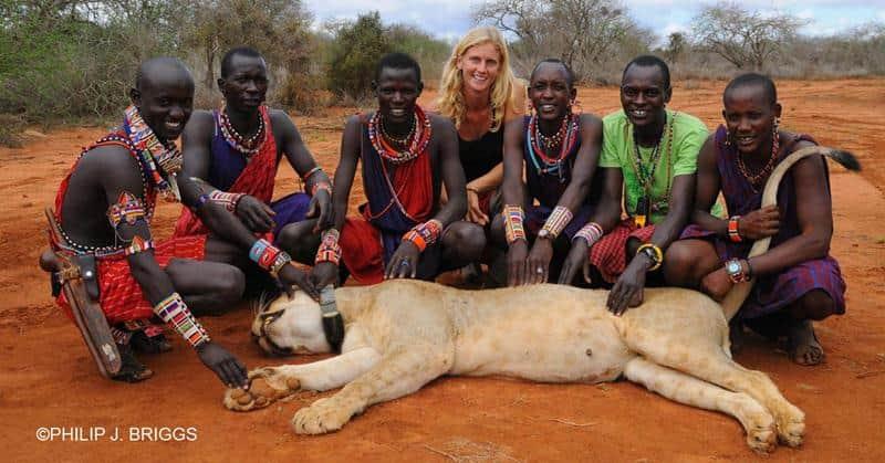 Mulher transforma assassinos de leões em guardiões na África 3