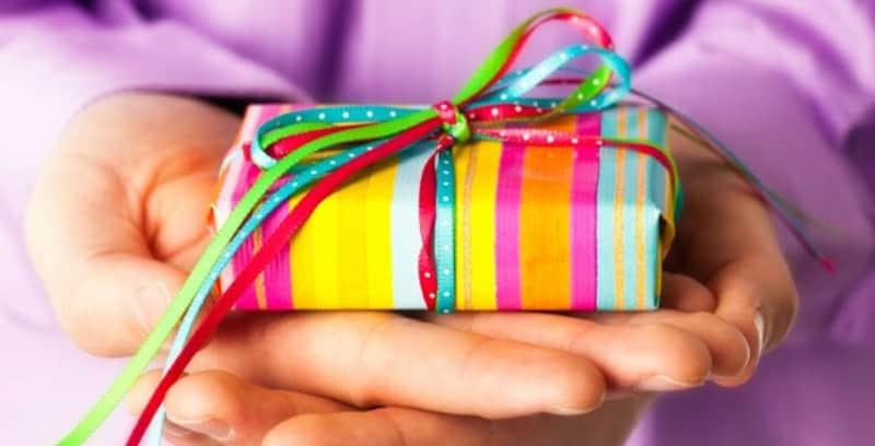 Você pode pedir para seus amigos presentearem pessoas carentes no seu aniversário