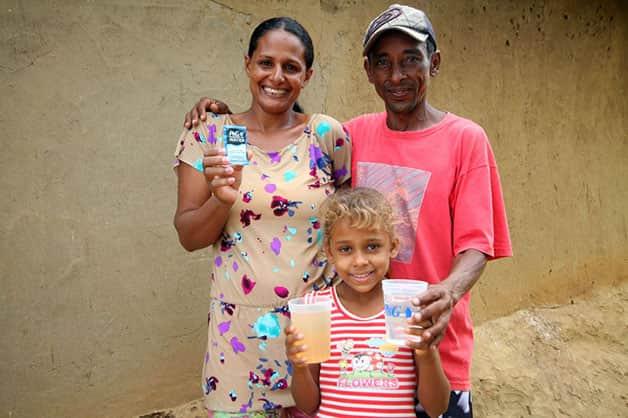 agua-pura-para-criancas-vale-jequitinhonha-3