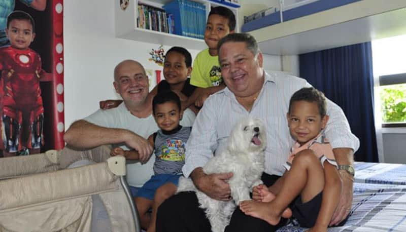 A história de Carlos e Osmir, um casal que adotou quatro irmãos em Pernambuco 1