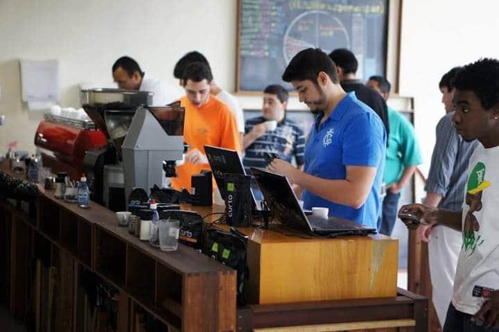 Você decide o quanto paga, ou se paga, no Curto Café do Rio. E dá lucro! 1