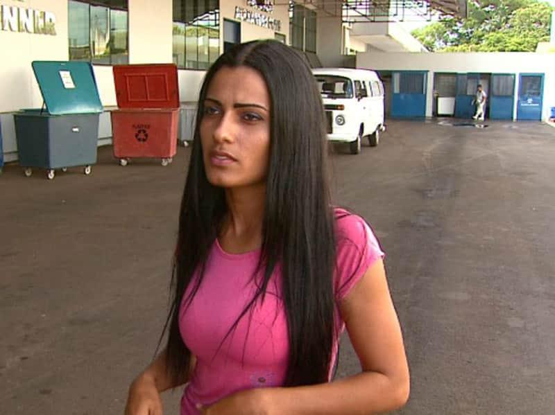 Catadora encontra cheques de R$ 250 mil em lixo de hospital, devolve e ganha emprego 3