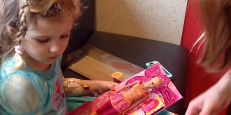 Uma Barbie careca para meninas que estão fazendo quimioterapia 1