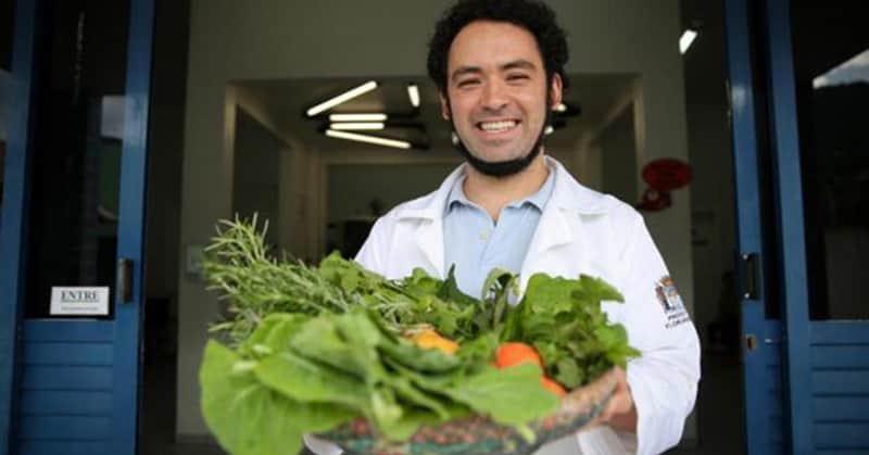 Médico receita plantas medicinais para curar doenças em Florianópolis 4