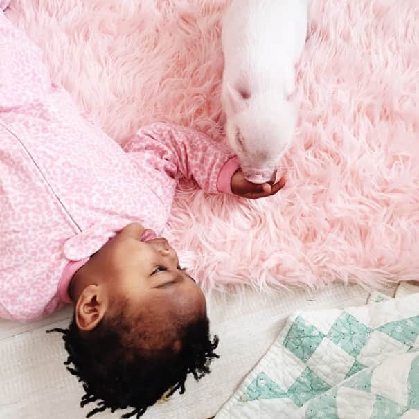 little-girl-piglet-friendship-libby-and-pearl-24-605x605