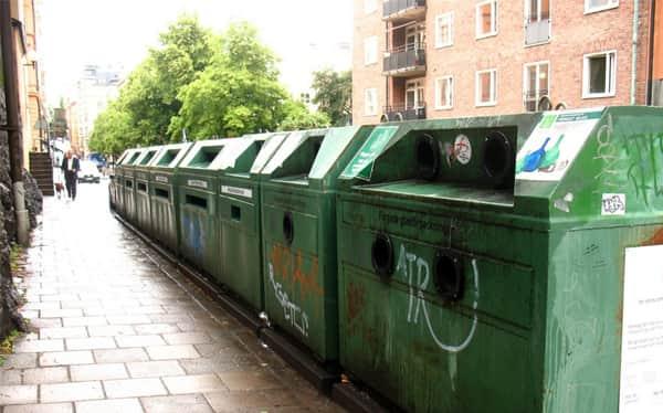 a população participa de todo o processo de reciclagem