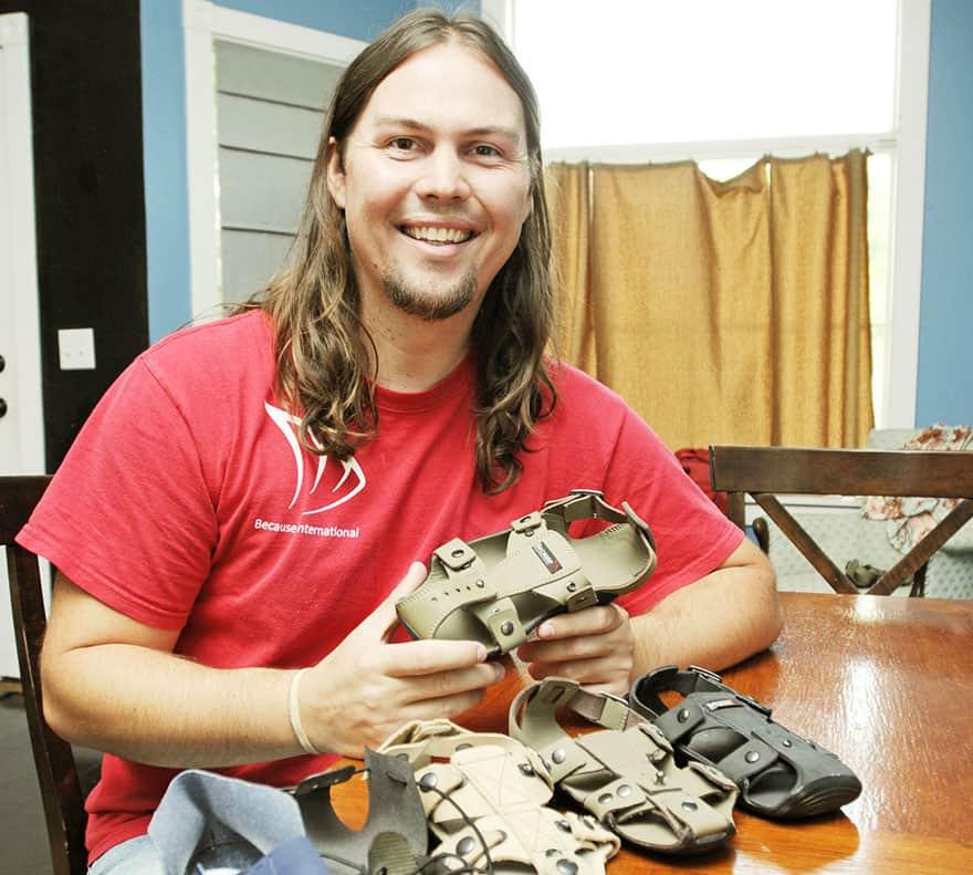 os calçados podem crescer 5 tamanhos e durar pelo menos 5 anos