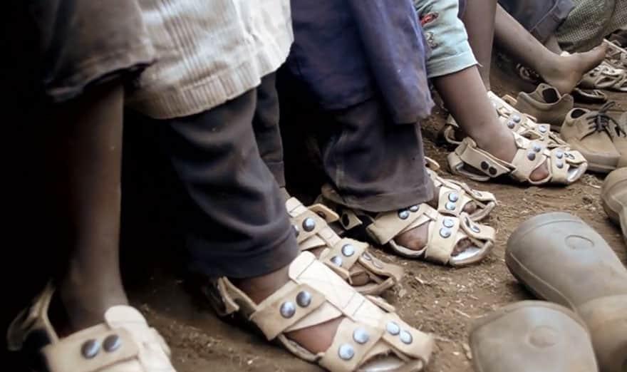 os calçados podem crescer 5 tamanhos e durar pelo menos 5 anos 3