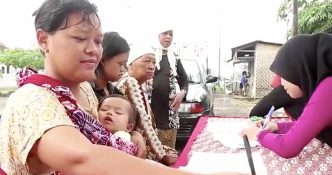 Na Indonésia, pacientes podem trocar lixo por tratamento médico 1