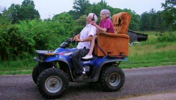 16 casais idosos mostram que não há idade para se divertir - Razões para Acreditar