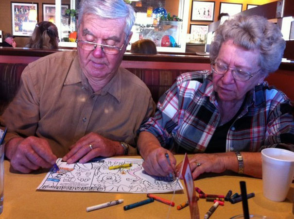 old-couples-having-fun-4__605a