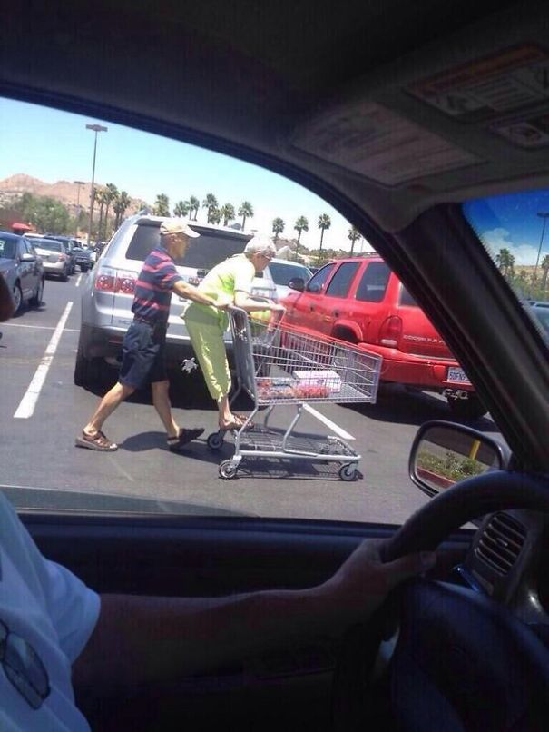 old-couples-having-fun-8__605a