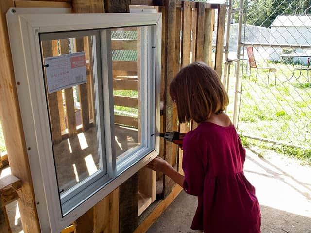 helping-homeless-shelter-9-year-old-girl-harvest-hailey-fort-6