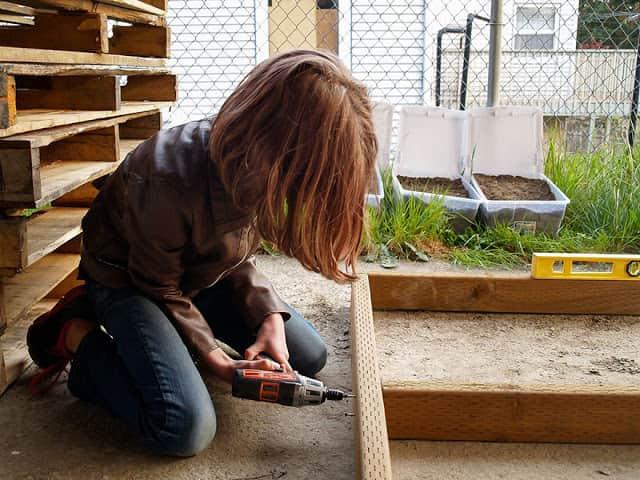 helping-homeless-shelter-9-year-old-girl-harvest-hailey-fort-7
