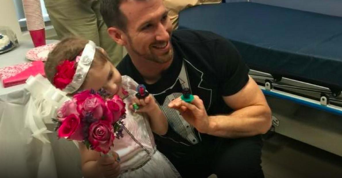 Enfermeiro surpreende menina de 4 anos com leucemia e realiza sonho dela 3