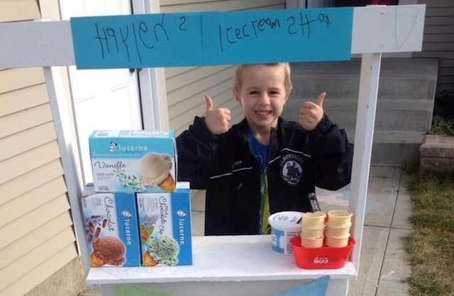 Menino de 5 anos arrecada dinheiro em seu aniversário para montar uma barraca de sorvetes e ajudar outras crianças 2
