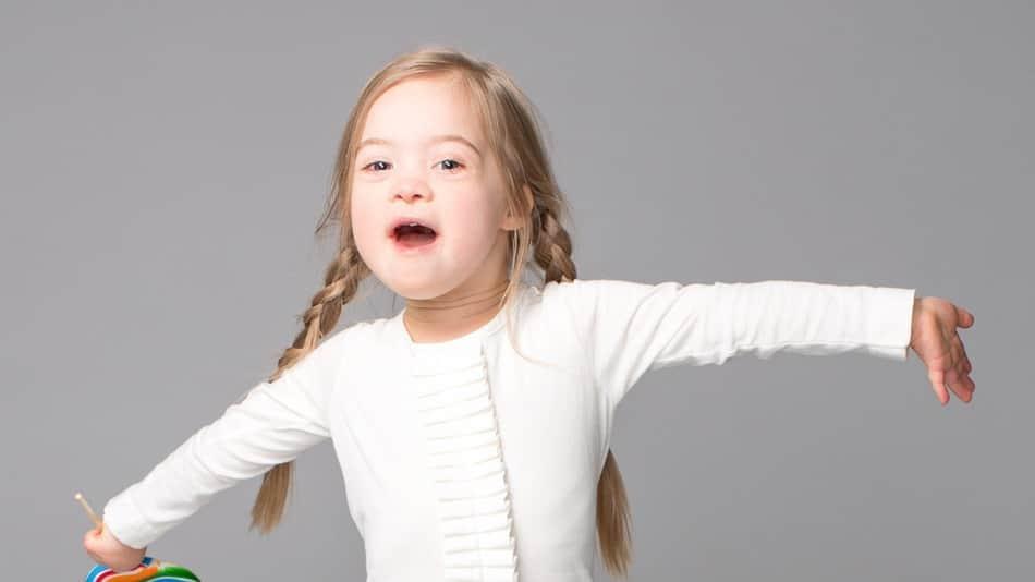Menina de 4 anos com síndrome de Down estrela campanha de volta às aulas 1