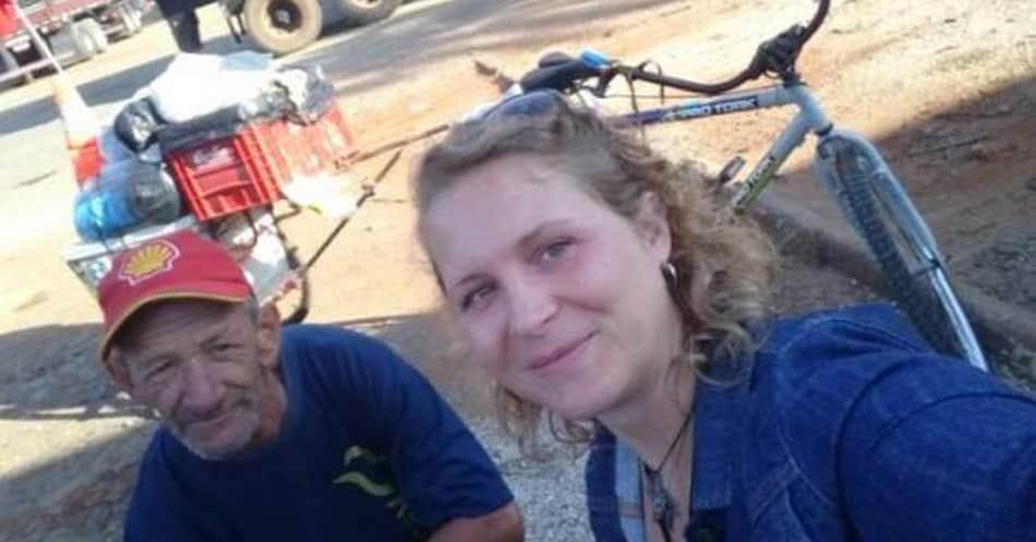 Pai pedala mais de 5 mil quilômetros para ver a filha 5
