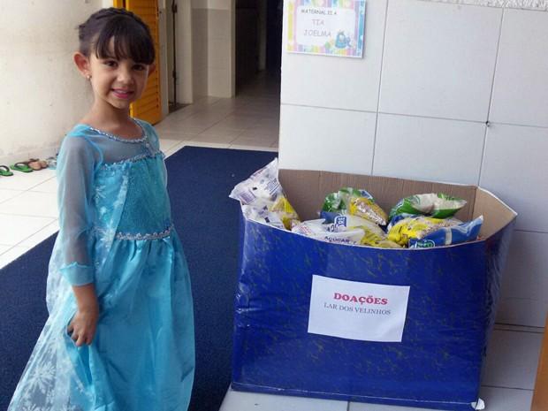 Menina de 6 anos troca presentes de aniversário para ajudar asilo com doações 1