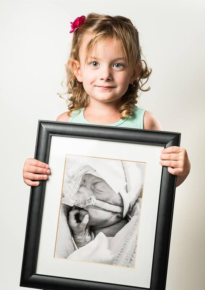 premature-baby-portraits-les-premas-red-methot-22a