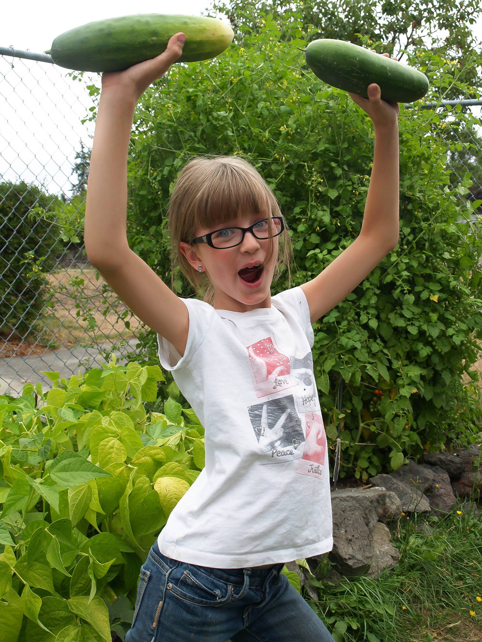 ela cultiva horta em casa 3