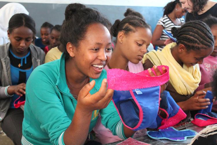 Como esta calcinha está ajudando meninas africanas a não faltarem na escola 2