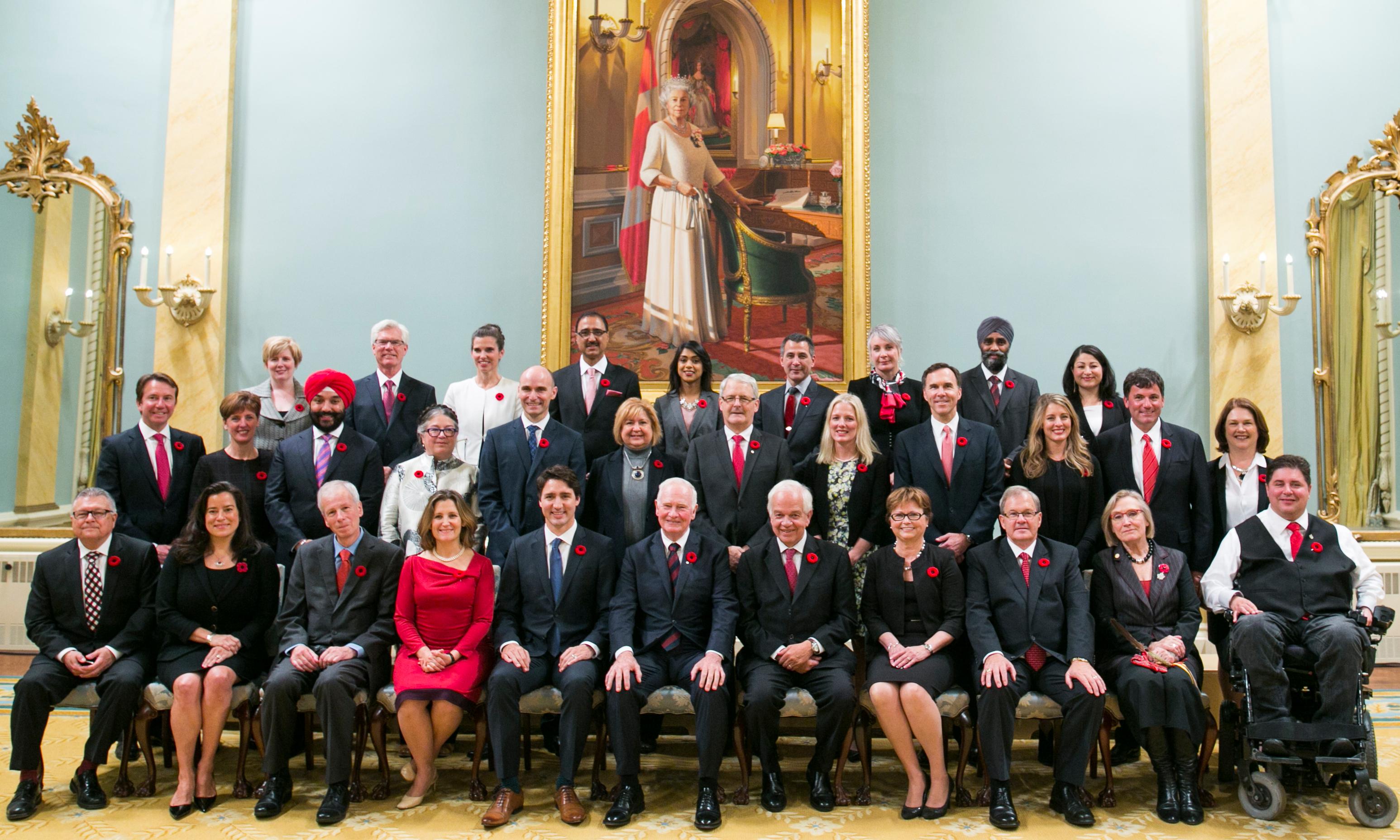Canadá tem primeiro governo igualitário com mesmo número de homens e mulheres em seu gabinete 1