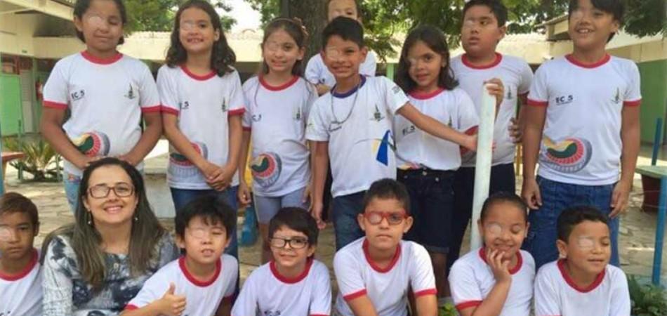 Para mostrar apoio ao colega de escola, alunos também usam tapa-olho 1