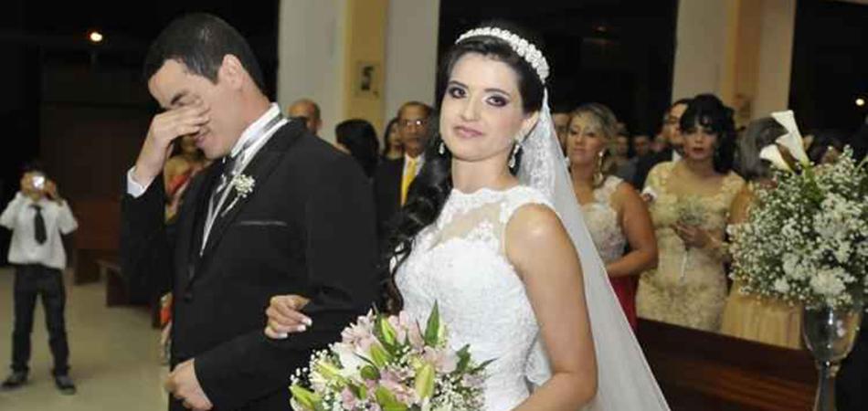 Marcelo Jeneci atende pedido de noiva e canta na sua cerimônia de casamento 2