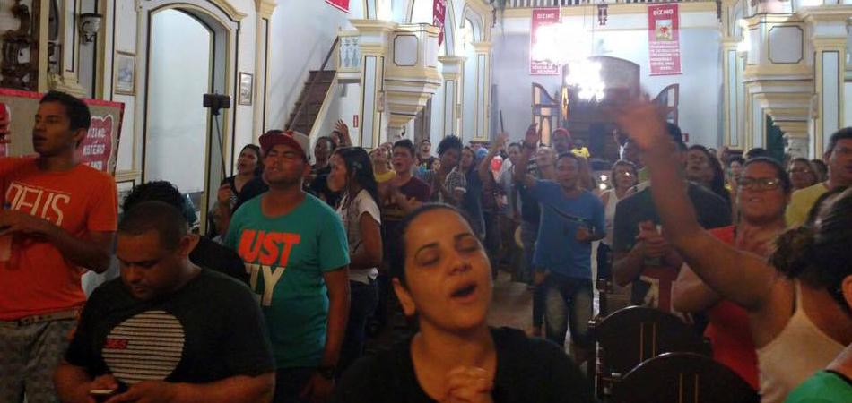 Padre cede capela para evangélicos realizarem cultos em Mariana - MG 1