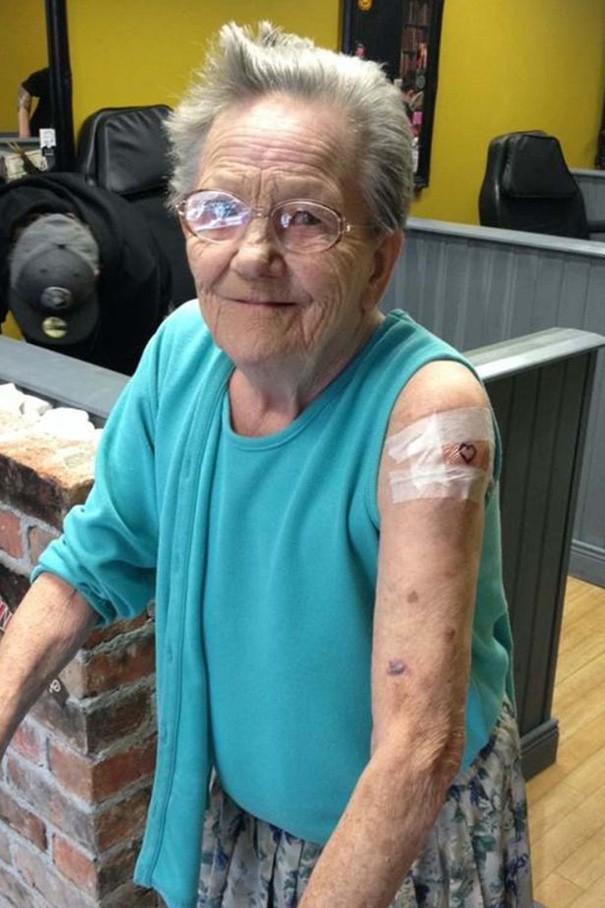 rebel-grandmother-tattoo-escape-care-home-3