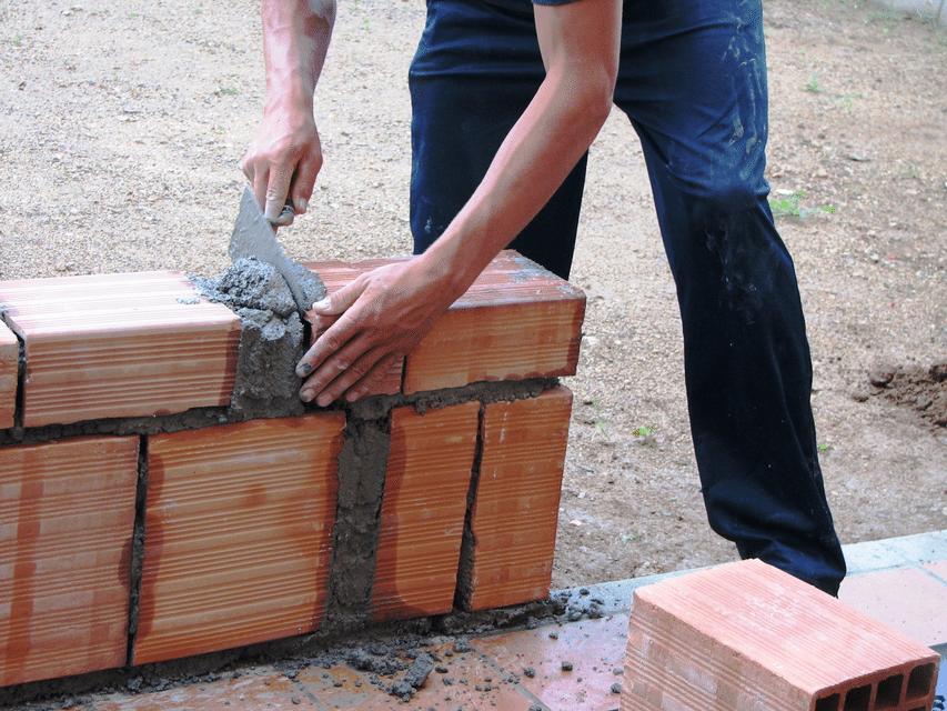 a construção foi ajudada pela igreja