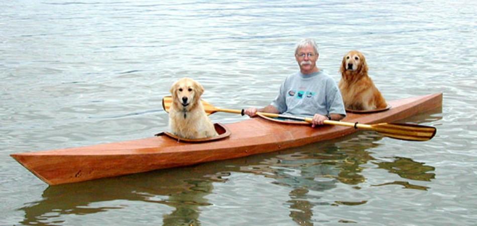 Para passar mais tempo com seus cães, senhor de 67 anos cria caiaque triplo 2