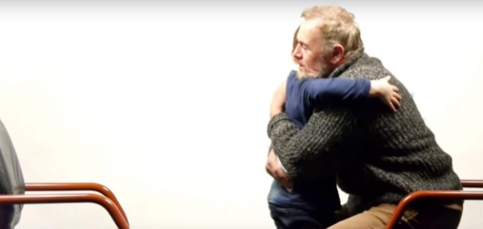Vídeo mostra diálogo sincero entre um menino de 7 anos e um homem de 64 sobre a vida 2