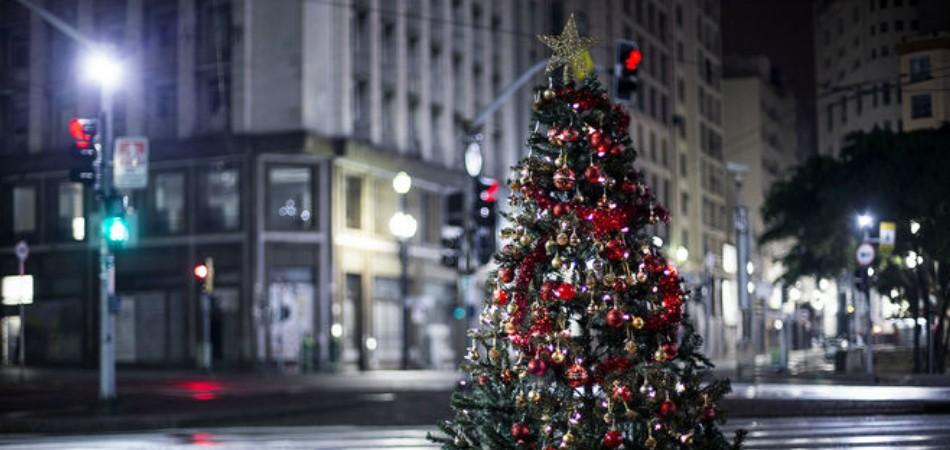 Em clima de Natal, projeto quer levar presentes para moradores de rua 1