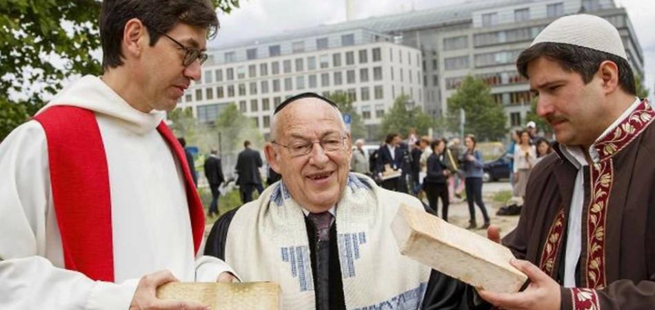 Berlim cria primeira mesquita, sinagoga e igreja que ficam sob o mesmo teto 1