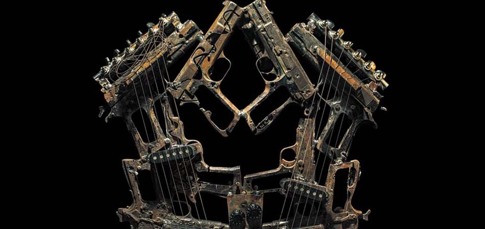 Mexicano transforma armas em instrumentos musicais extraordinários 5