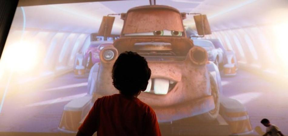 Cinema só para crianças autistas emociona pais no Rio 1