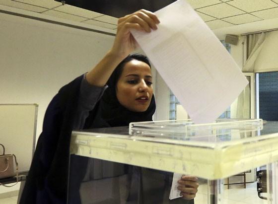 mulher-votando-na-arabia-sa