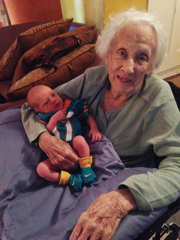 newborn-baby-girl-meets-grandma-101-year-difference-rosa-camfield-10