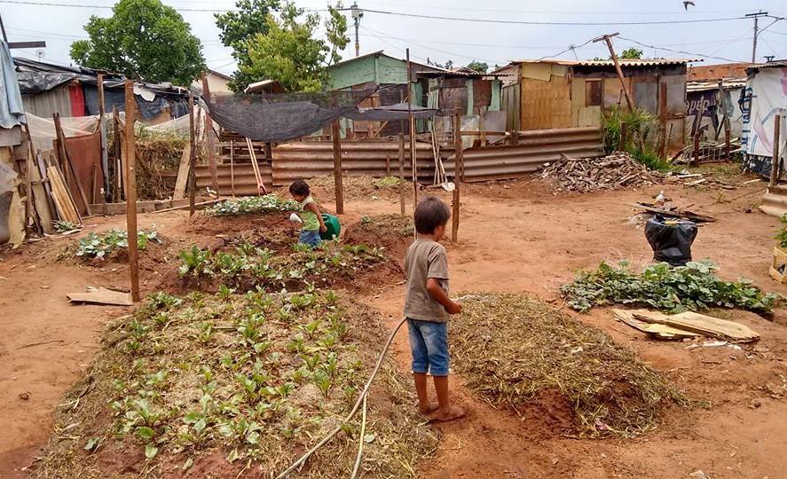 Moradores de favela
