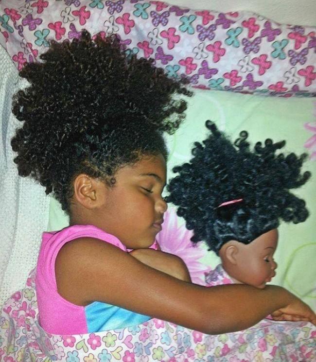 198855-650-1451240329-babies-and-look-alike-dolls-2__605