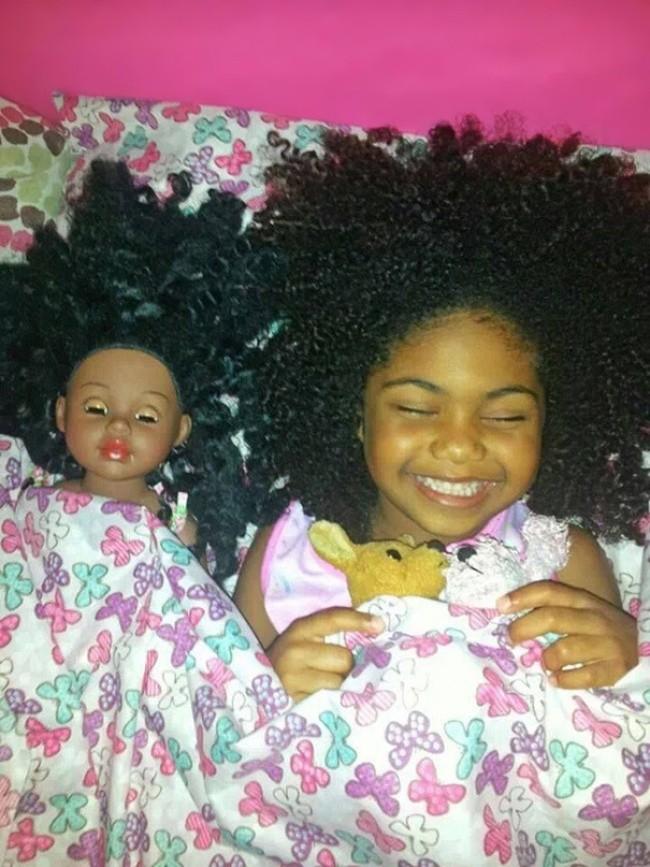 199505-650-1451240329-babies-and-look-alike-dolls-5__605