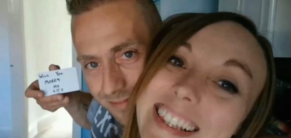 Ele pediu a namorada em casamento durante um ano sem ela perceber 1