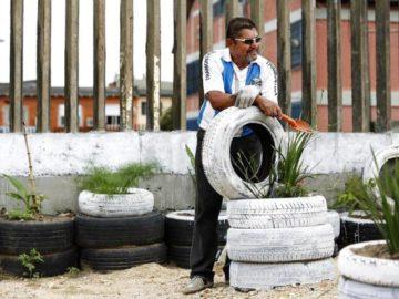 Aposentado transforma terreno baldio em área de lazer para sua comunidade 7